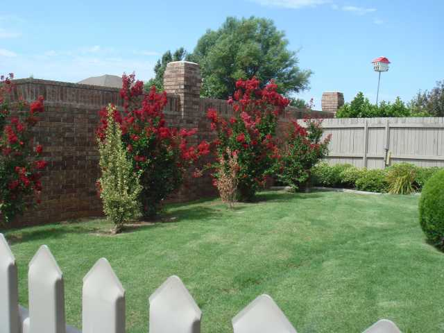 Small tidy backyard your association dues mow and Garden homes edmond ok